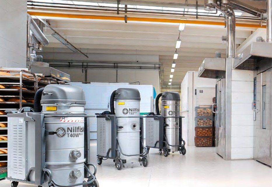 Sanayi Tipi Elektrik Süpürgesi ile Islak Zemin Temizleme